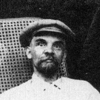 Ігор Гузь вимагає знести пам'ятник Леніну у Маневичах