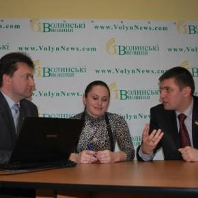 """Під час чат-конференції у редакції інтернет-видання """"Волинські новини"""" 2010 р.Б."""