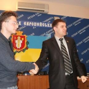 Підписання угоди між Національним Альянсом та Молоддю БНФ у Луцьку 2011 р.Б.