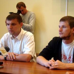 Прес-конференці яз білоруським активістом Яўгеном Скрабецем у Луцьку 2010 р.Б.