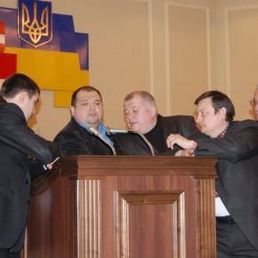 Блокування трибуни у захист славного імені Степана Бандери 2011 р.Б.