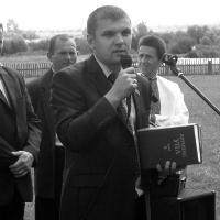 Ігор Гузь подарував футболістам зі Смідина футбольну форму, а бібліотеці – книги про УПА + ФОТО